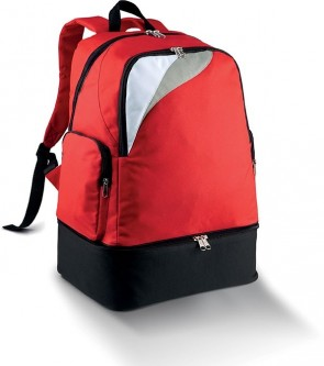 Back pack red with a bottom pouch for petanque balls